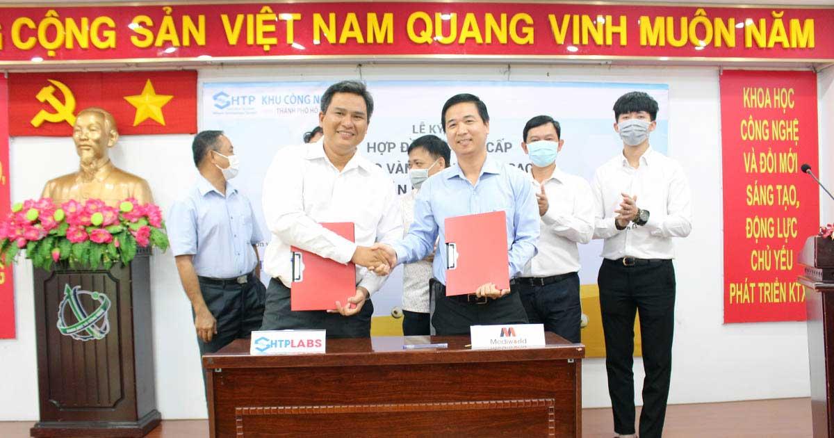 Avata Lễ ký kết hợp đồng cung ứng Nano vàng ngôi sao ứng dụng trong sản phẩm Acne GoldStars