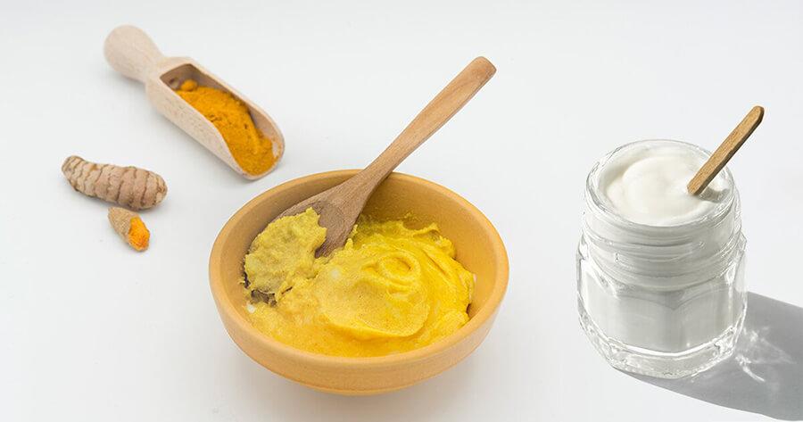 Làm mặt nạ đơn giản từ bột nghệ và sữa chua