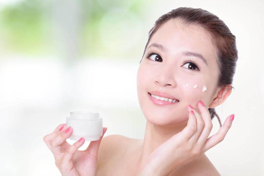 Làn da sẽ đẹp tự nhiên hơn nếu được chăm sóc tốt mỗi ngày