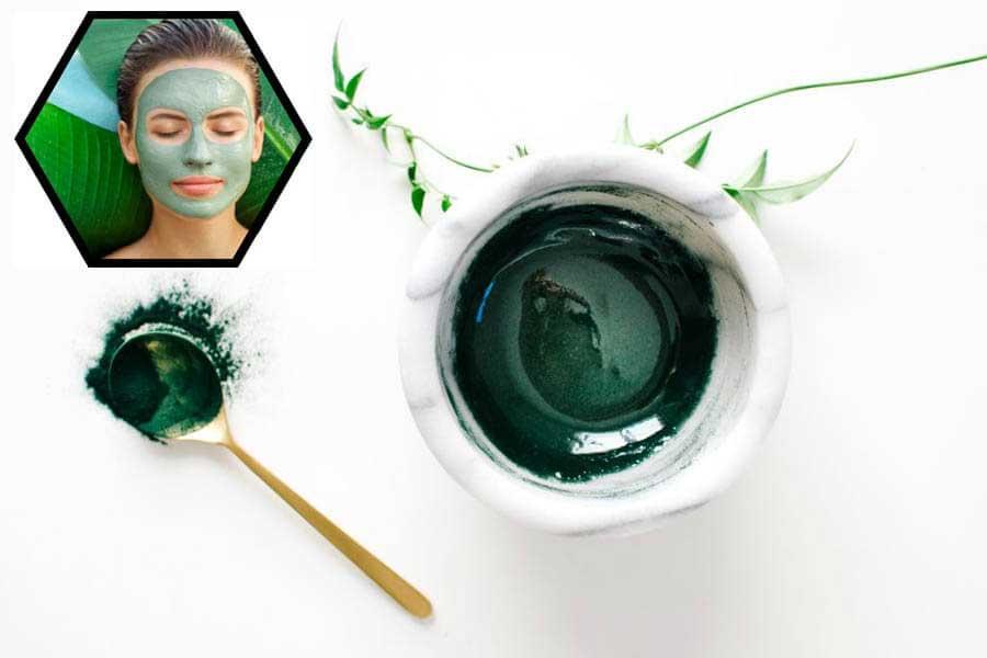 Đắp mặt nạ dưỡng da với bột tảo xoắn