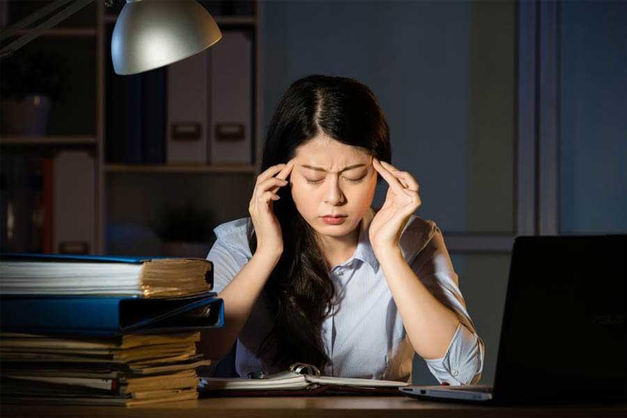 Mụn do Stress và thức khuya