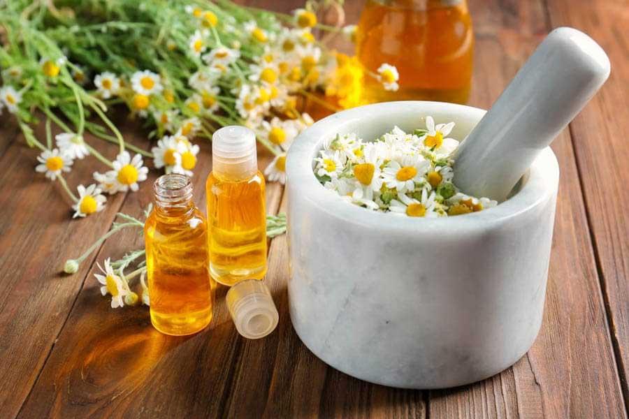 Tinh dầu hoa cúc giúp dưỡng da, kháng viêm