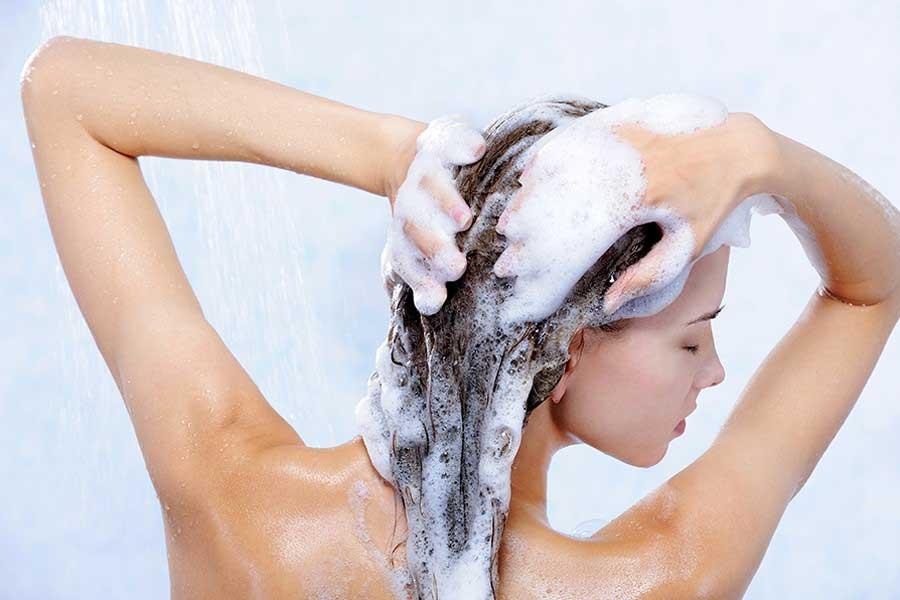 Chọn sử dụng các sản phẩm chăm sóc phù hợp với tình trạng tóc